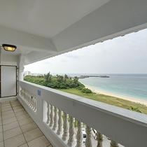 *【客室】全室バルコニー付のオーシャンビュー♪さぁ、今日は水着に着替えてビーチへ♪
