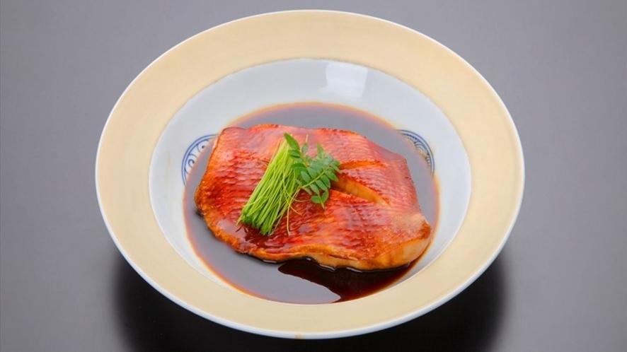 ご夕食一例(地魚煮付け)