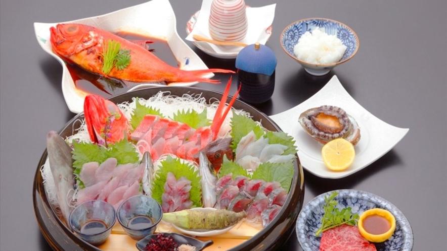 季節のご夕食(地魚桶盛り)