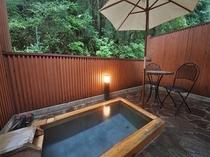 メイン館メゾネット室露天風呂一例