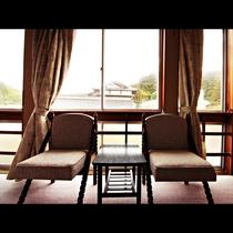 【10畳】湯田川温泉の街並みを一望の客室