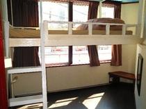 個室 シングルタイプ 8号室 たっぷりのスペース