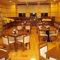 1階レストラン(50席)