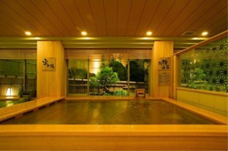 【総檜風呂】天然木のやさしい風合い、豊かな香りに包まれる癒しの湯(樹木の湯)