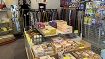 売店/福島県の特産品など取り揃えています。ご家族やお友達へのお土産にどうぞ。