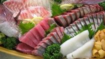 夕食メニュー/特別料理の舟盛は追加注文にて承ります。詳細はお問い合わせください。