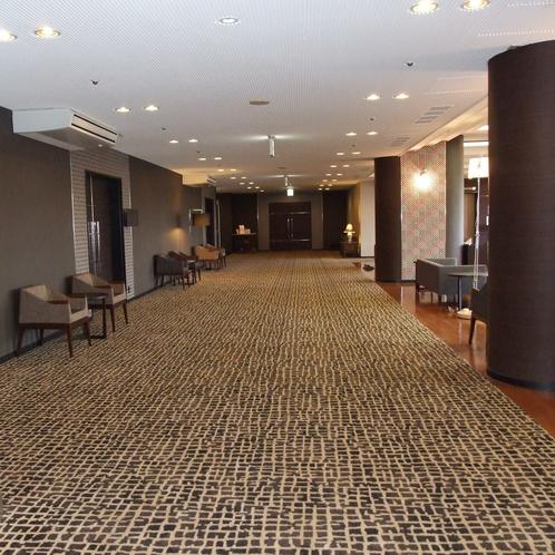 ◆3階ロビー◆エレベーター降りた所です。右手がフロントとなります。
