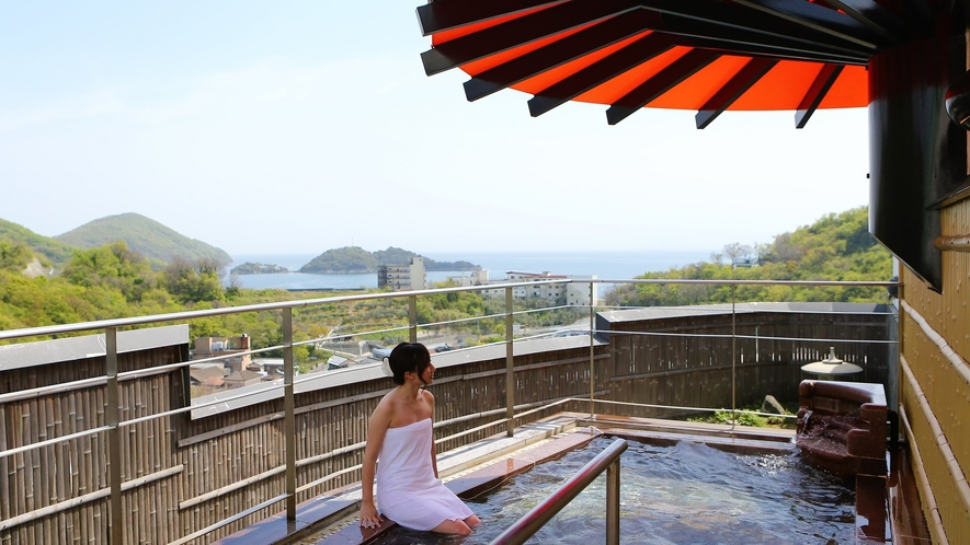屋上の露天風呂からはお天気が良ければ満天の星空がご覧いただけます。