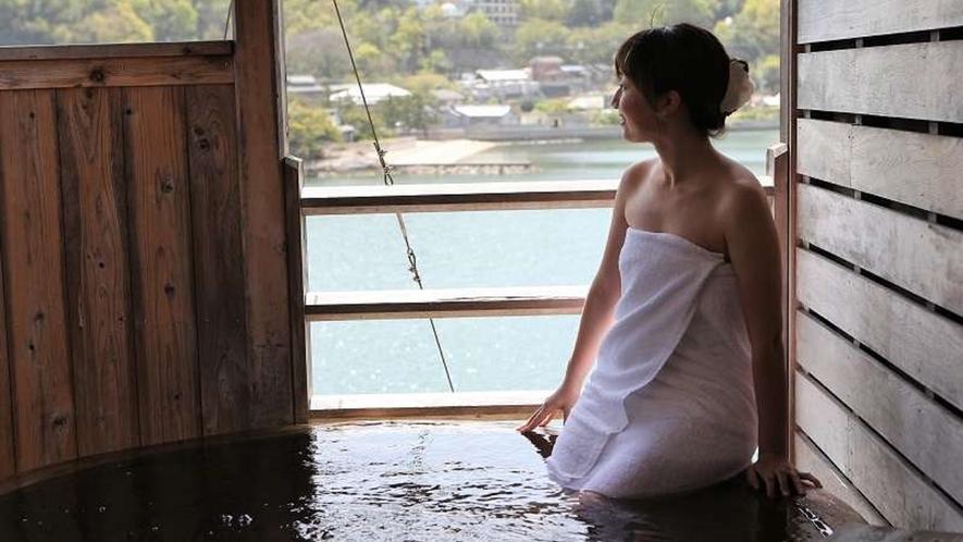 穏やかな瀬戸内海を望む個室露天風呂