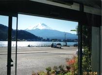 〇芙蓉荘の室内からの富士山