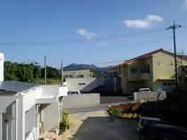 2階から見える於茂登岳