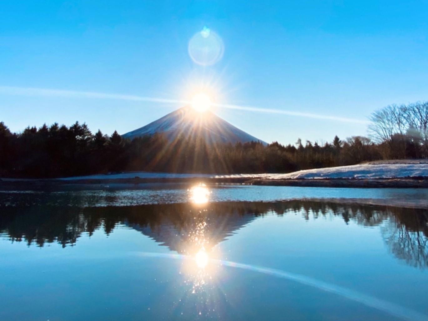 ダブルダイヤモンド富士-1月-本栖湖リゾート/当施設より車で40分