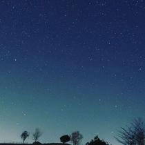夜の阿蘇は神秘的な光景です。運が良ければ流れ星も見られるかも…☆