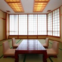 ゆったり和室は2世代家族やグループ向けの和室です