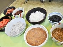 【朝食】ご飯のお供に、種類を豊富に取り揃えています