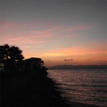 宍道湖沿いの夕陽