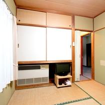 *部屋一例/1人旅の方にお勧めの和室です。見えづらいですがテレビも完備しています♪
