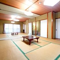 *部屋一例/5名以上のお客様におすすめの10畳+12畳の広々和室です。お子様連れでも快適な広さ♪