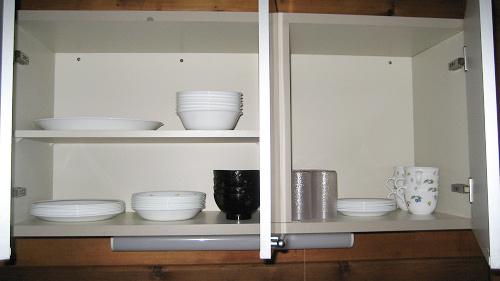【コテージ】食器棚