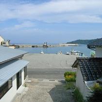 旅館の窓からの風景