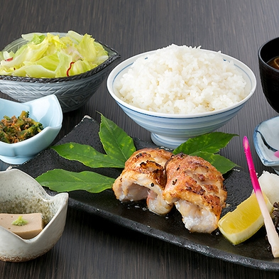 【夕食付】自慢のボリューム定食が日替りで魅力的★『げんき食堂WAKU家』定食付