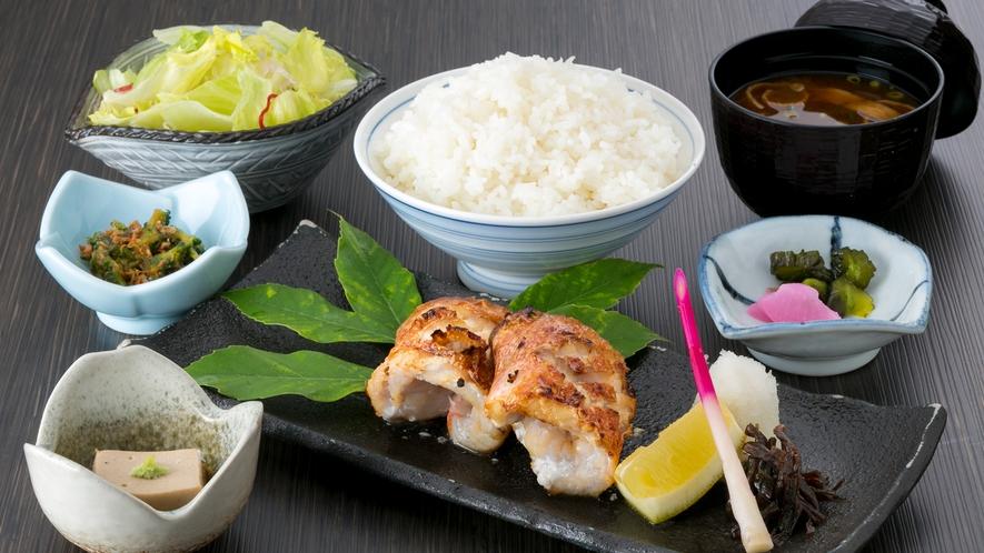 夕食焼き魚定食