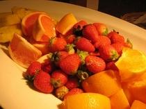フレッシュフルーツで元気な一日のスタートを!!