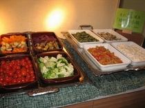 地元産新鮮野菜をふんだんにお出ししております