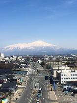 客室からの眺望~鳥海山
