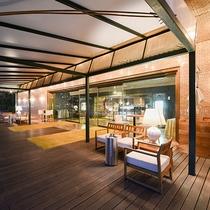 *エントランス/地域に愛される「宝石のようなホテル創り」を目指しております。