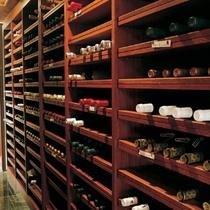 *個室レストラン「四季」/お料理に合うワインをご提供いたします。