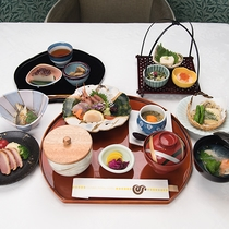 *個室レストラン「四季」/日本料理の懐石コース
