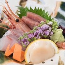 *個室レストラン「四季」/日本料理コース。メニュー一例:お刺身盛り合わせ