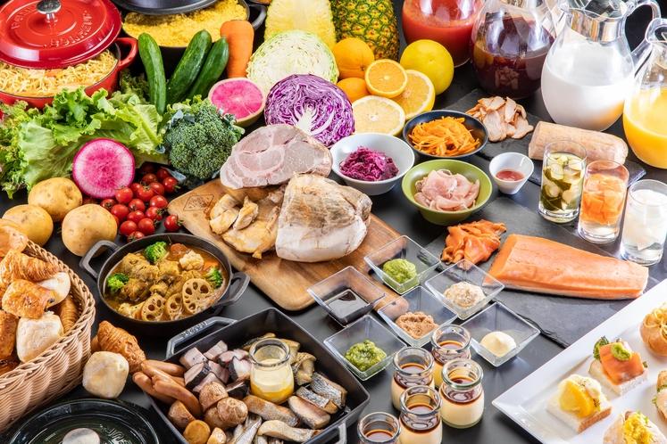 2021年7月より朝食ビュッフェがリニューアル!50種類以上の食材をお楽しみください。