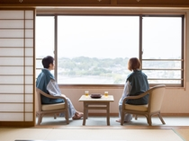 お部屋からは浜名湖を見下ろせます