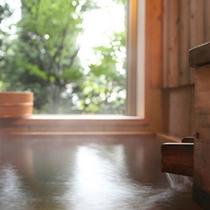 客室の半露天風呂