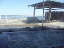 内湯から露天風呂