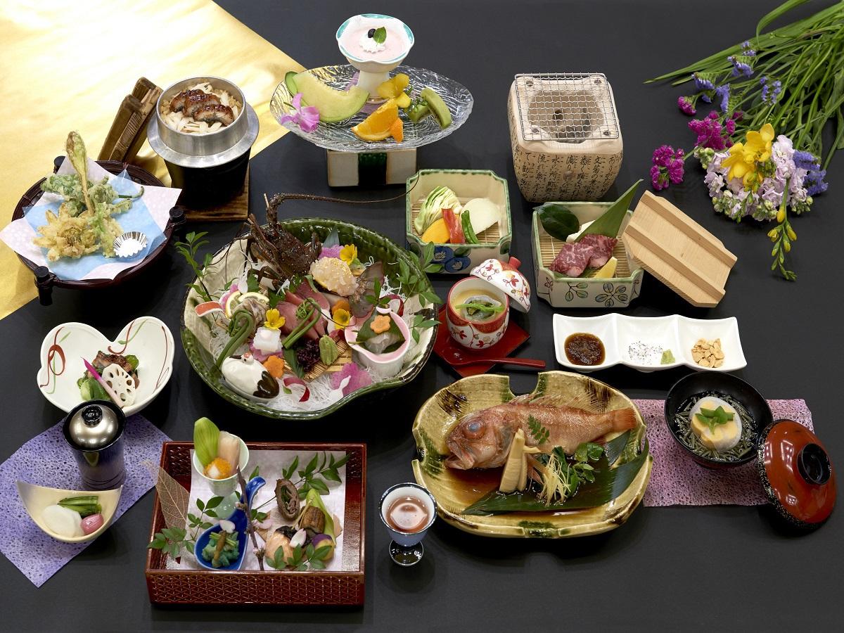 旬の食材を使用した料理長特選和食会席