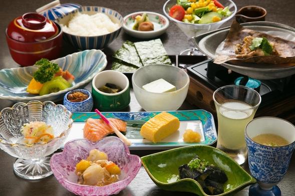 人気の【飛騨牛握り】 と 地元食材で作る花扇オリジナル【季節のプリン】が付いたプチハッピーセット♪