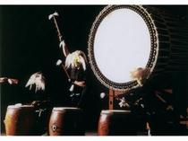 迫力満点!鷲羽太鼓ショーは毎夜20時より開演しております。