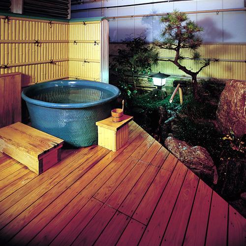 【坪庭露天付特別室】露天風呂