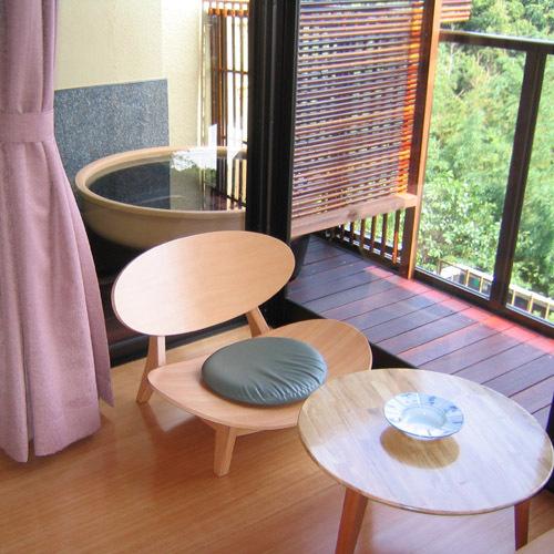 【カジュアル露天付和室】お湯は榊原のお湯を使用し、24時間お楽しみ頂けます。