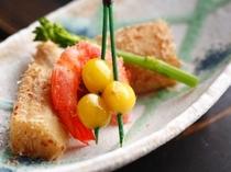【先付】筍土佐煮 海老ぼんぼり 菜の花