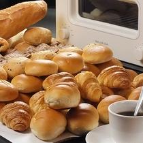 毎朝焼き上げる「焼きたてパン」をどうぞ