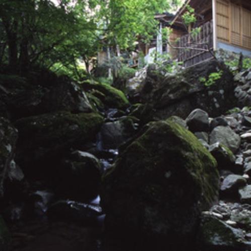 柿坂谷の露天棟