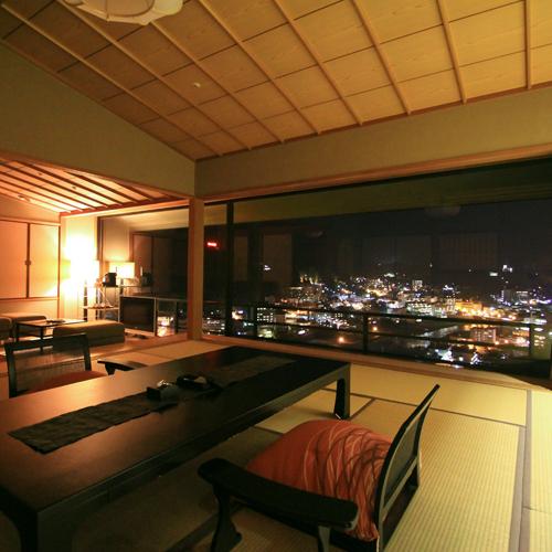 中央客室 夜景