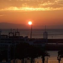 *「朝陽が見える海側の和室」からの景色