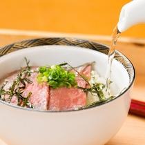 シェフおすすめの博多和牛ローストビーフ茶漬けは絶品!!