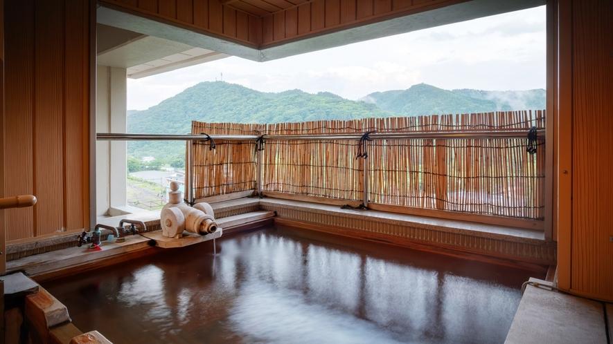 【展望露天風呂付客室】露天風呂一例