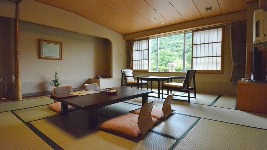 【一般客室】和室10畳+広縁付き